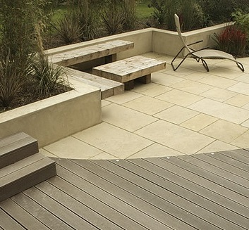 Outdoor flooring ideas for the garden for Garden decking and slabs