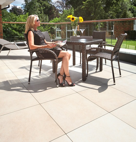Balcony paving slabs