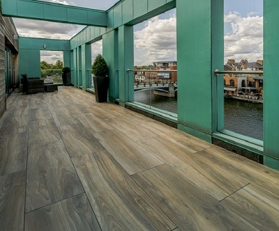 Forest Oak balcony paving