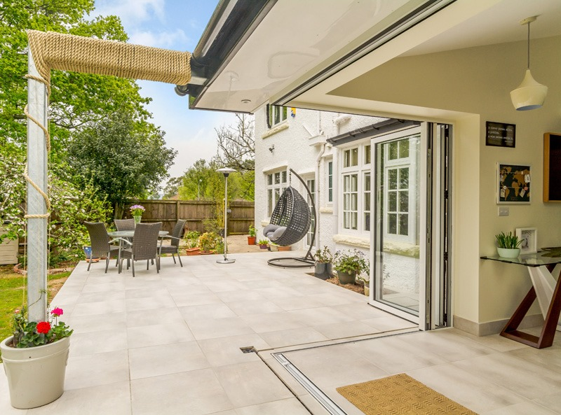 Patio with white porcelain paving