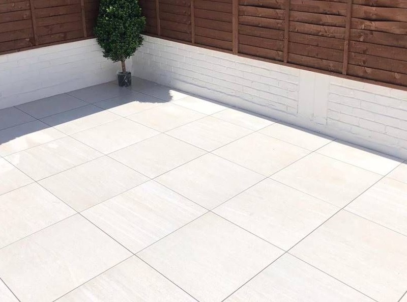 White outdoor tiles